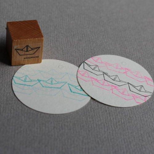 Perlenfischer Stempel Papierschiff