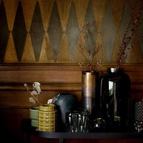 Grüne Vase mit Schuppenoberfläche von Bloomingville